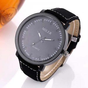 Мъжки черен часовник с велурена каишка