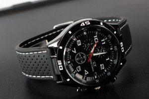 Мъжки спортен часовник с черен циферблат
