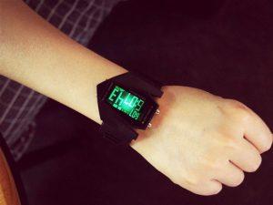 Мъжки електронен часовник с 9 различни подсветки