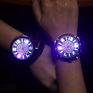 Светещ мъжки часовник с LED RGB подсветка