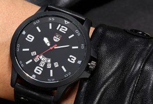 Мъжки черен часовник с 5 полета за дата
